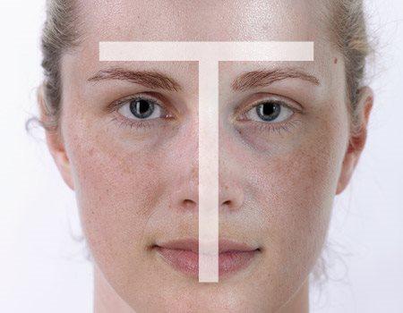 Gương mặt ngườ phụ nữ với làn da hỗn hợp